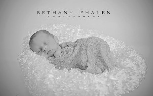 Newborn Photography-051 bw_web